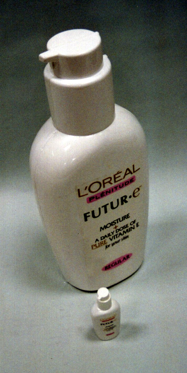 L'Oreal large bottle factice
