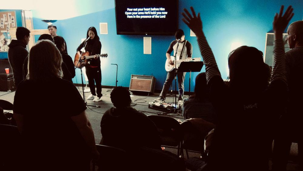 Promo_Singles_WorshipNight_2019-01.jpg