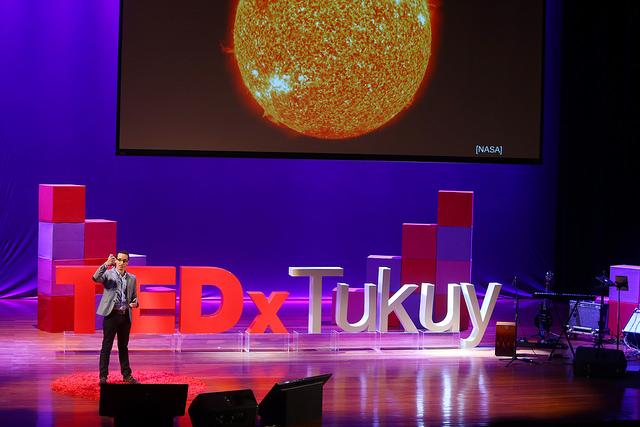 TEDxTukuy 2016 Ejemplo expositor M.jpg