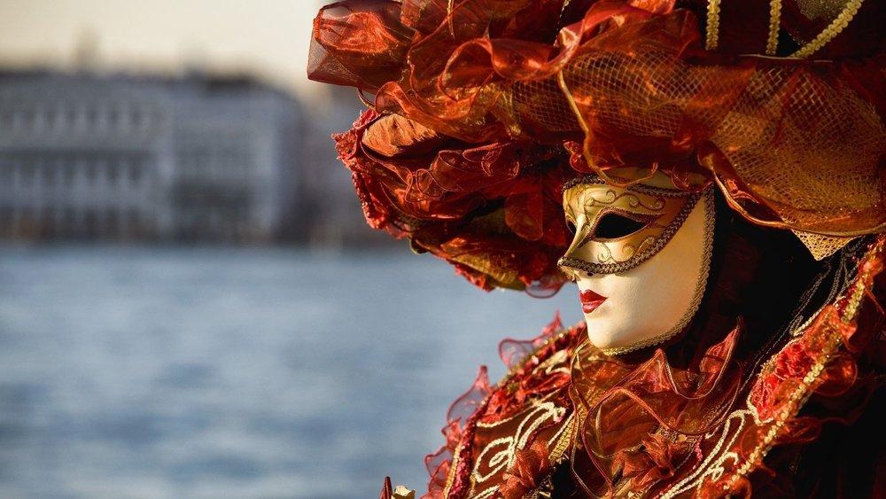 carnevale-di-venezia-venice-carnival-mask-ana-livingston-fine-artist-blog-post-2014-1.jpg