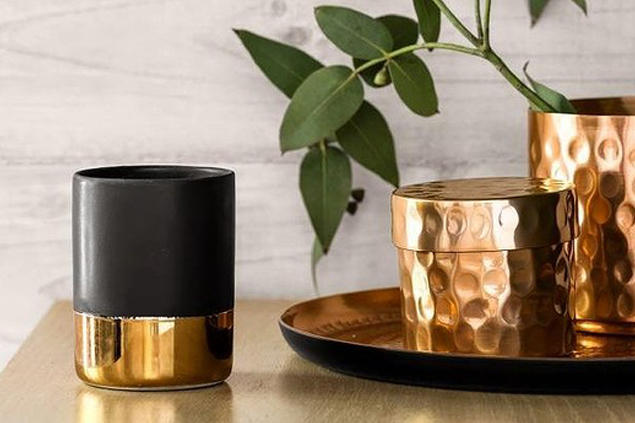 Beautiful gold trimmings. Photo:  H&M Home