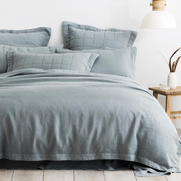 Abbotson Linen Quilt Cover in Palm_Sheridan Australia.jpg