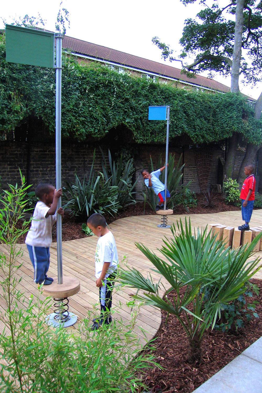 Cowley_Estate_millennium_gardens.jpg