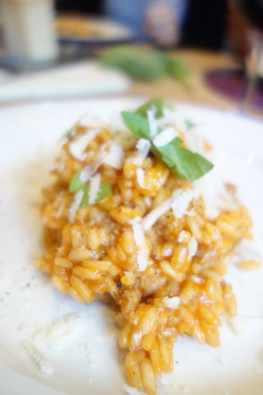 dans l'assiette, avec encore un peu de basilic, encore un peu de parmesane t encore un peu de poivre