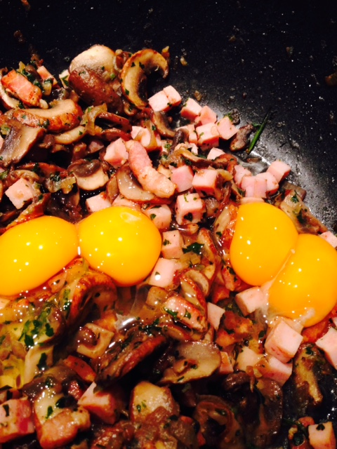 Avant, 2 œufs jumeaux <3