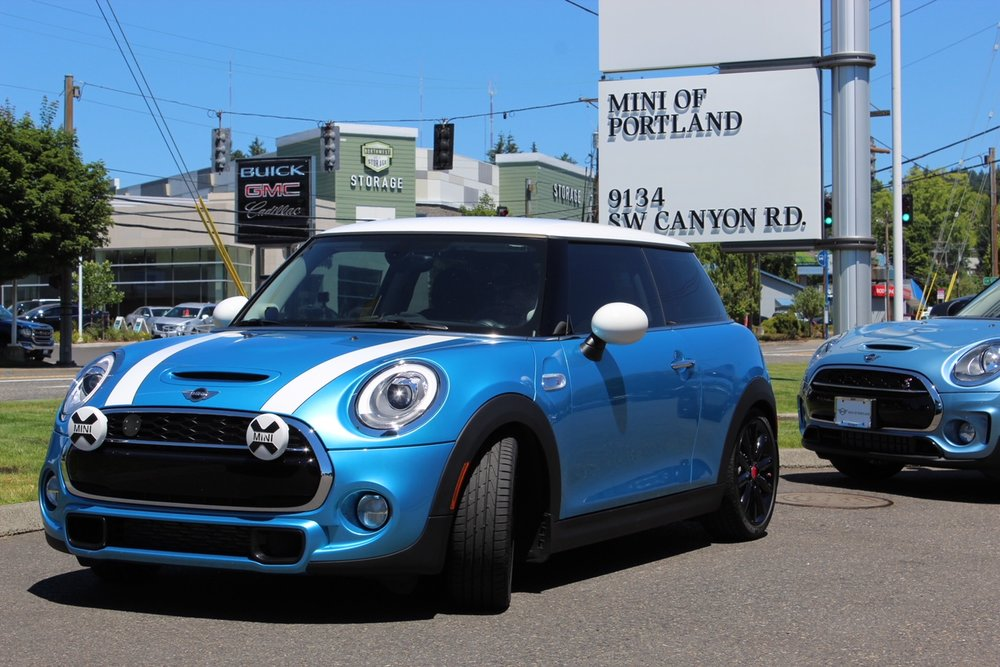 Merlin at Mini of Portland before the rally.