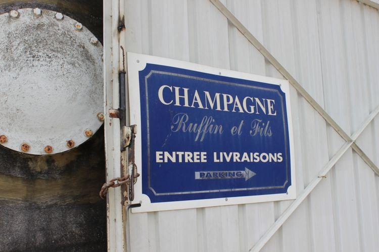 Champagne-sign.jpg