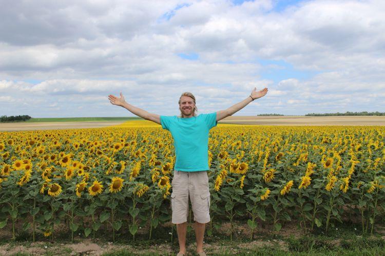 Koen&sunflowers.jpg