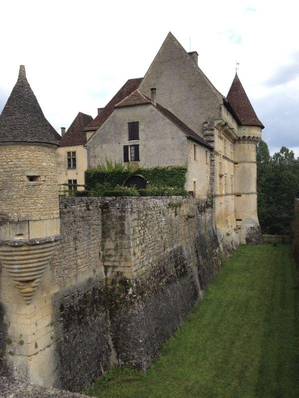 chateau-side2.jpg