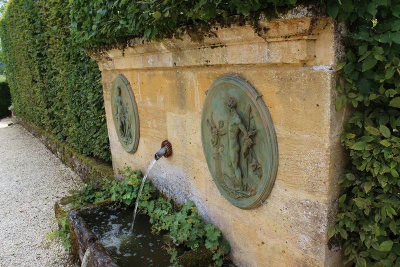 chateau-fountain.jpg