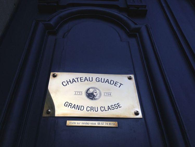 Guadet-sign.jpg