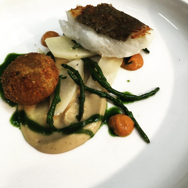 Brill, roast cauliflower & ras el hanout puree, chorizo, salsify and samphire, crab cake (January).PNG
