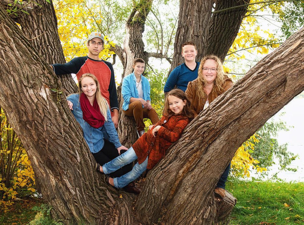 family-heart-free-lense-photo.jpg