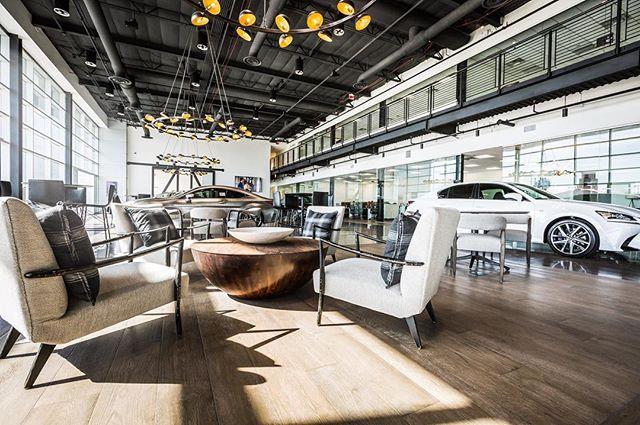 Earnhardt Lexus of Phoenix dealership is now open on Camelback Road. ASAI team plus @seththeninja lighting, @noedesignco @cartercartier barn doors, Jim Gibson for custom lighting, Oakit for custom millwork for the interiors. #nobull  _________________________ #lexus #phoenix #earnhardtlexus #annesneedinteriors #annesneedarchitects #corporateinteriors #interiordesign  Photo credit: Chad Ulam