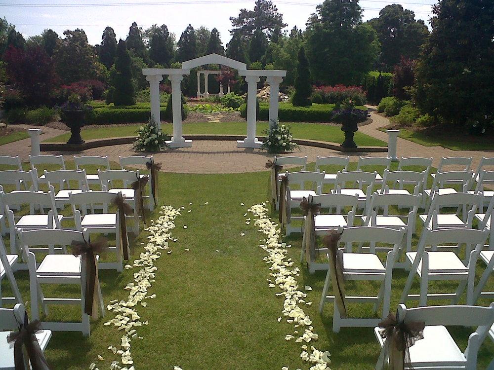 Large Outdoor Wedding  | Raleigh Wedding Florist