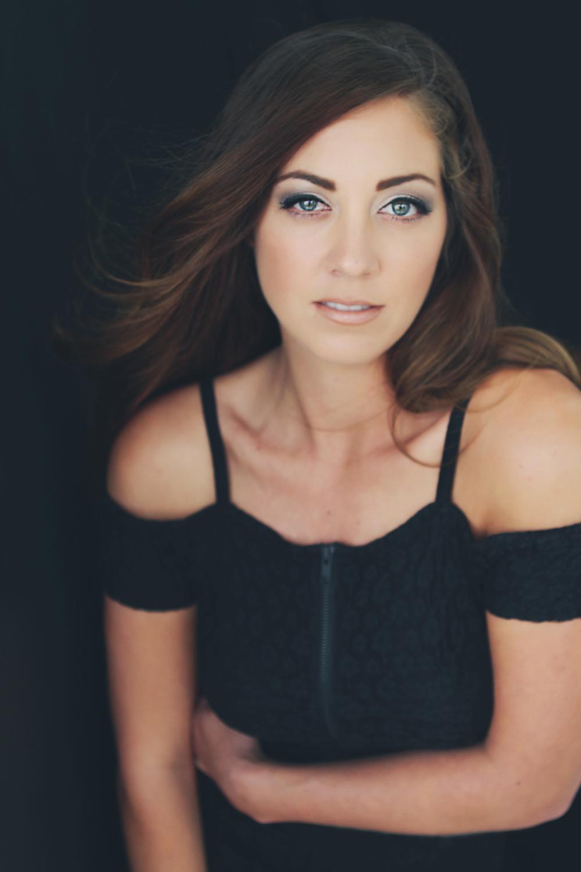 maggie-alexis-lawson-portrait-couture-boudoir-headshot-glamour-portrait-photography-9449.jpg