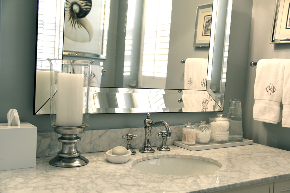 Bathroom countertop decor redefining domestics - How to decorate a bathroom counter ...