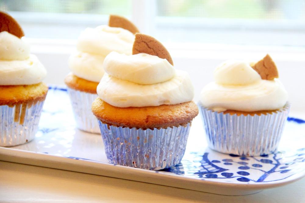 Lemon Gingersnap Cupcakes.jpg