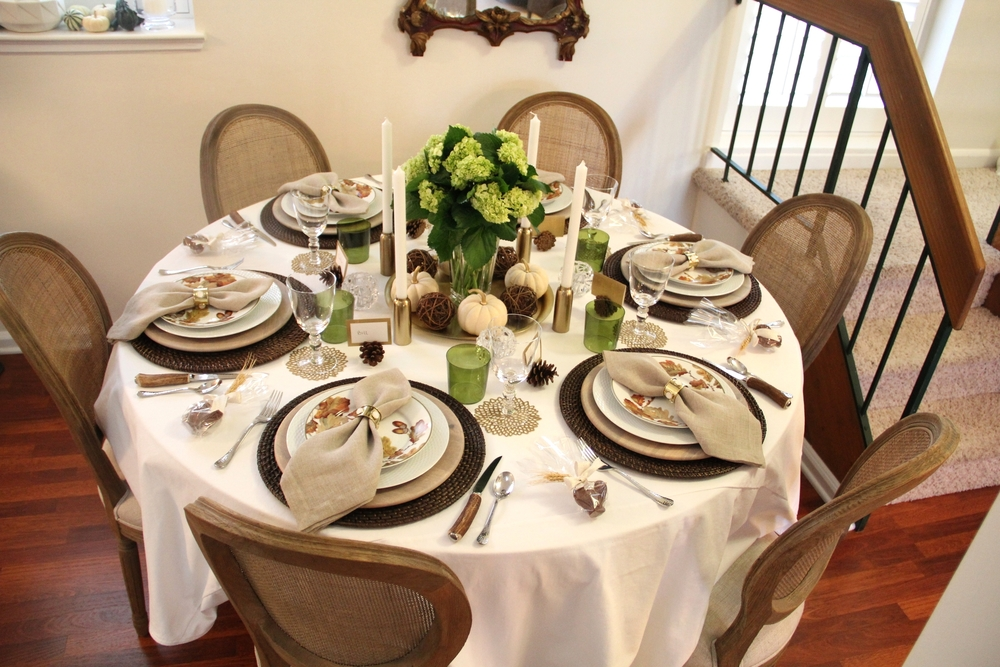 Thanksgiving Tablescape 1.JPG