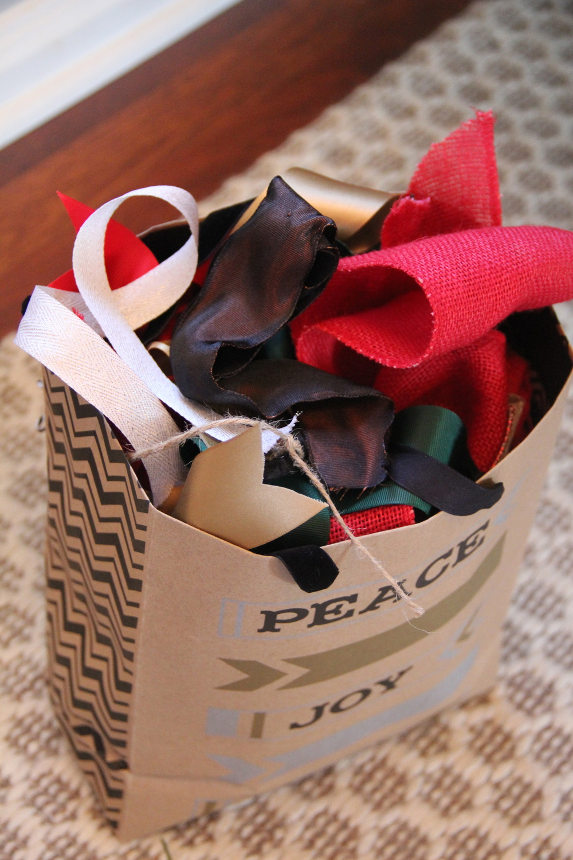 Gift Ribbon 1.jpg