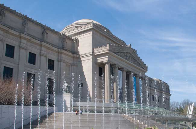 Brooklyn Museum Exterior ©Brooklyn Museum via  Wikimedia Commons