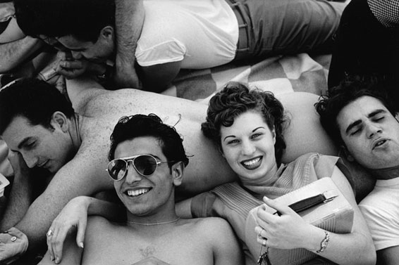 Coney Island Teenagers, 1949  courtesy of Panopticon Gallery