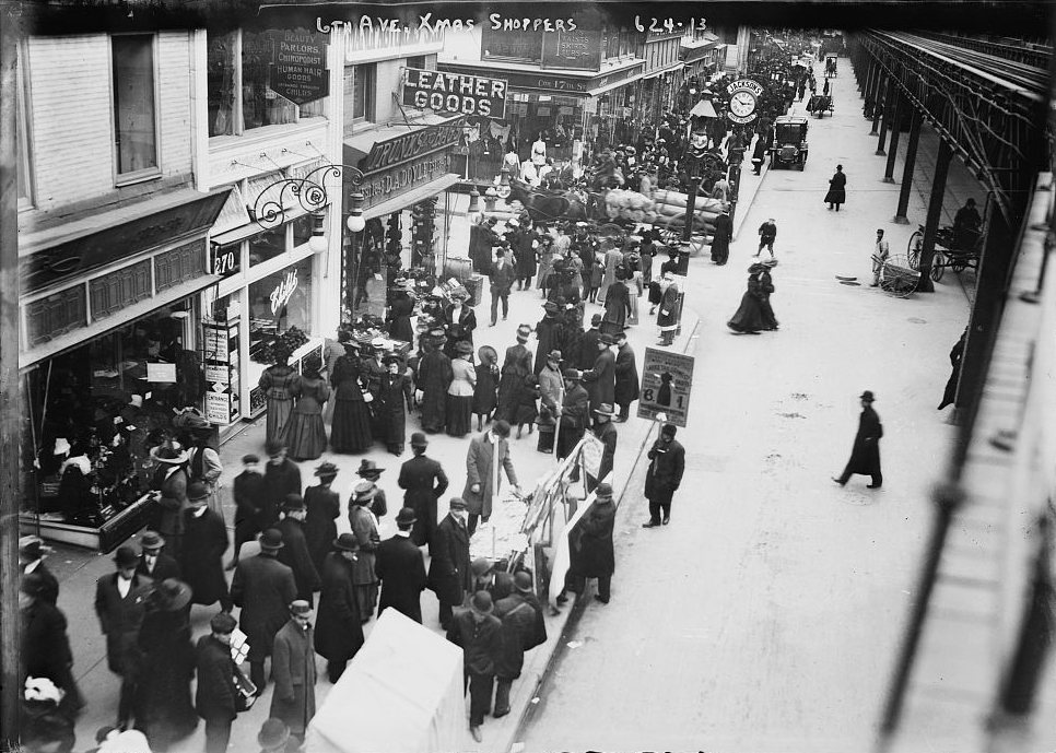Christmas Shoppers on 6th Avenue, New York, 1910. Bain News Service photo.