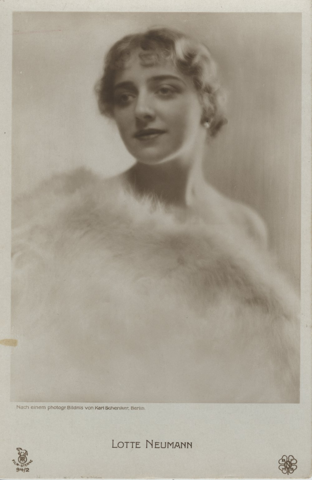 Karl Schenker, Lotte Neumann, around 1920 (celebrity postcard), Museum Ludwig