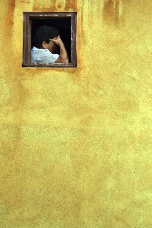 Mujer Levendo Mallorca
