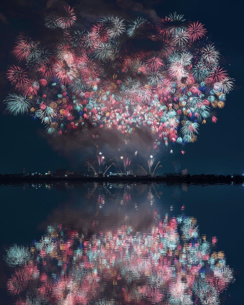 Fireworks Dancing ,  Keisuke Nakazawa