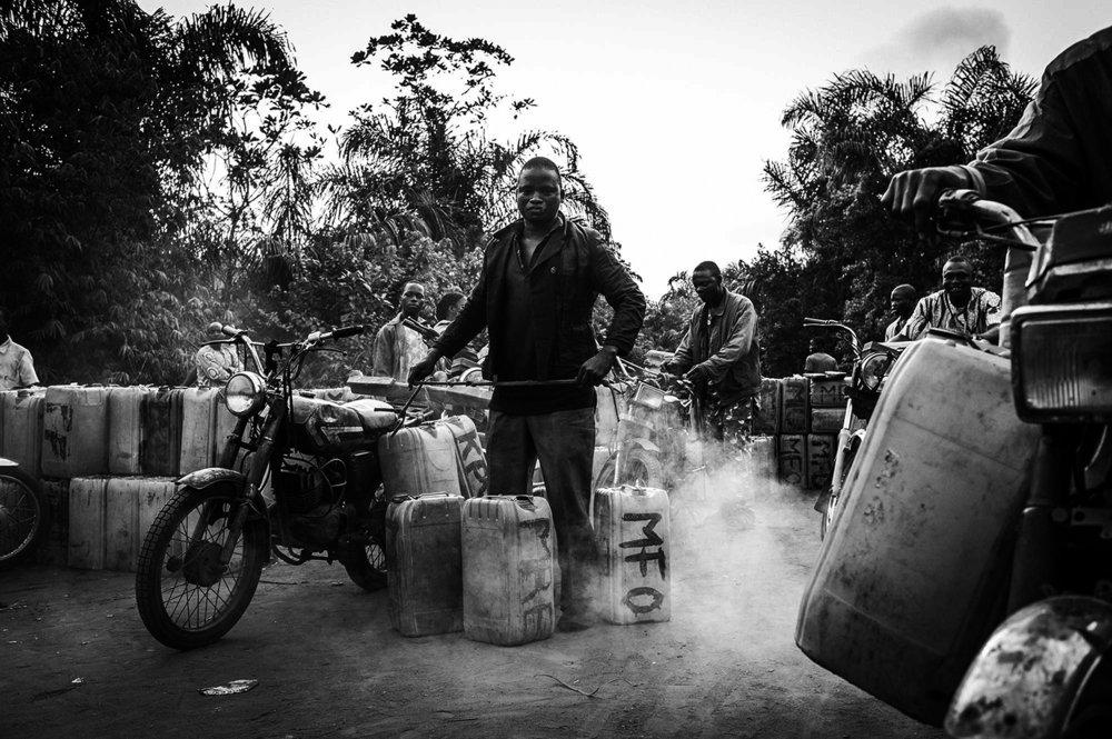 Essence du Bénin ,  Javier Corso /OAK Stories