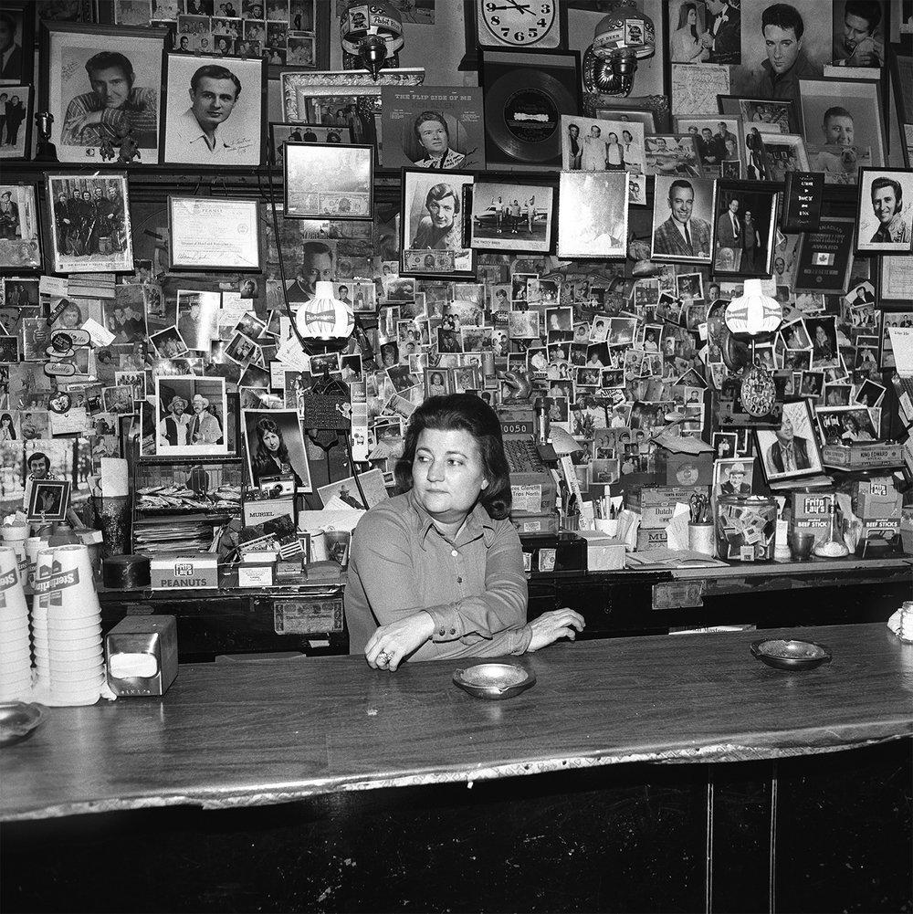 Wanda Behind the Bar, Tootsies Orchid Lounge, Nashville, TN, 1974