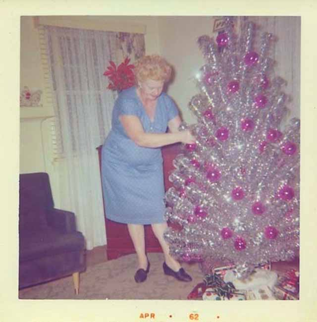 Christmas-tree-mom-9.jpg