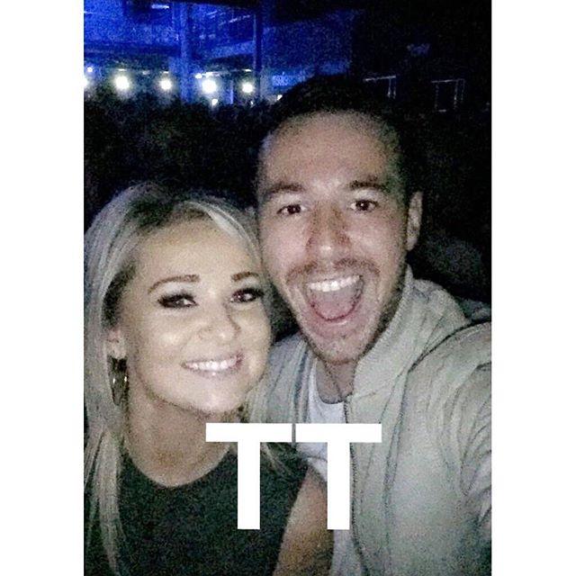 Who's the bigger fan 😅😅 Take That with my love a few weeks ago #throwbackforgood #throwbackthursday #tt #tbtt #takethat #aviva #tt4eva