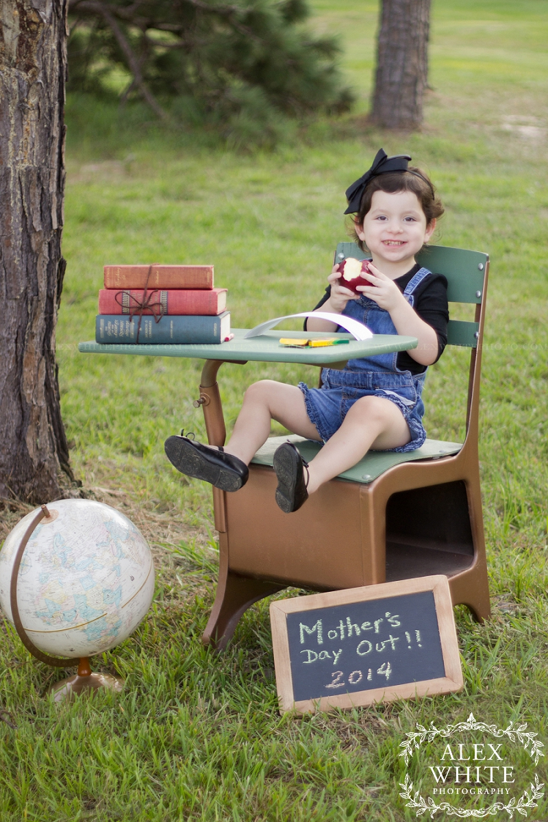 child and family photographer in Kingwood, tx mini sessions back to school