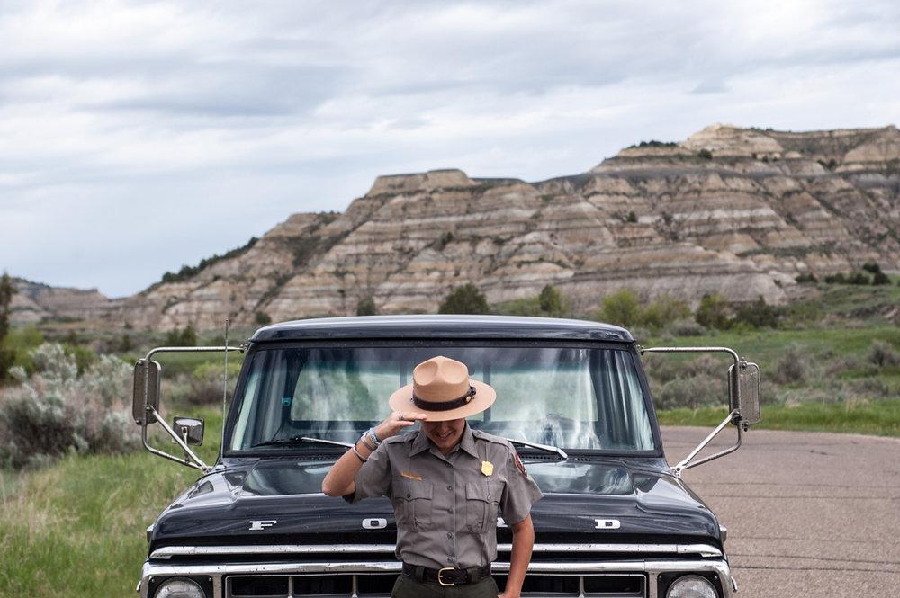 ginew-usps-ranger-ford-truck-raven