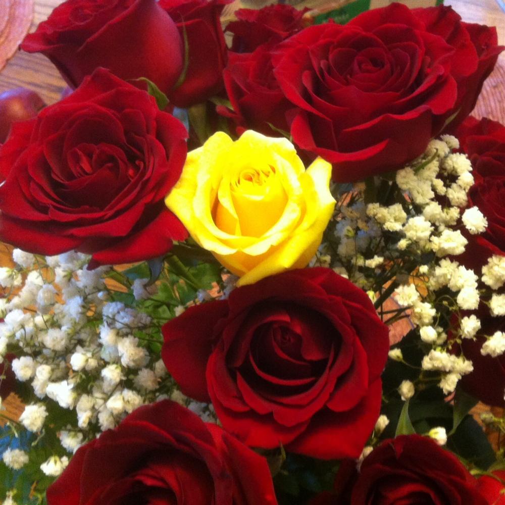 22 anniv roses.JPG
