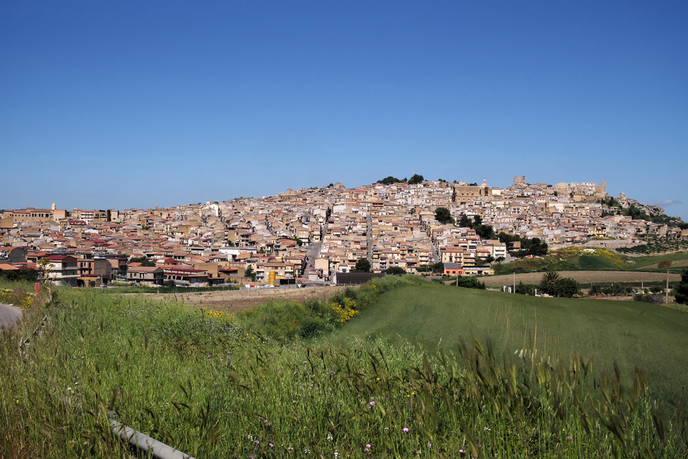 The village of Pietraperzia
