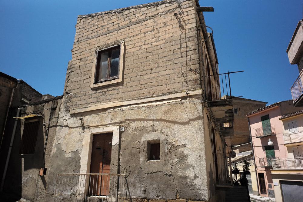 Giuseppe Alba's former home in Pietraperzia