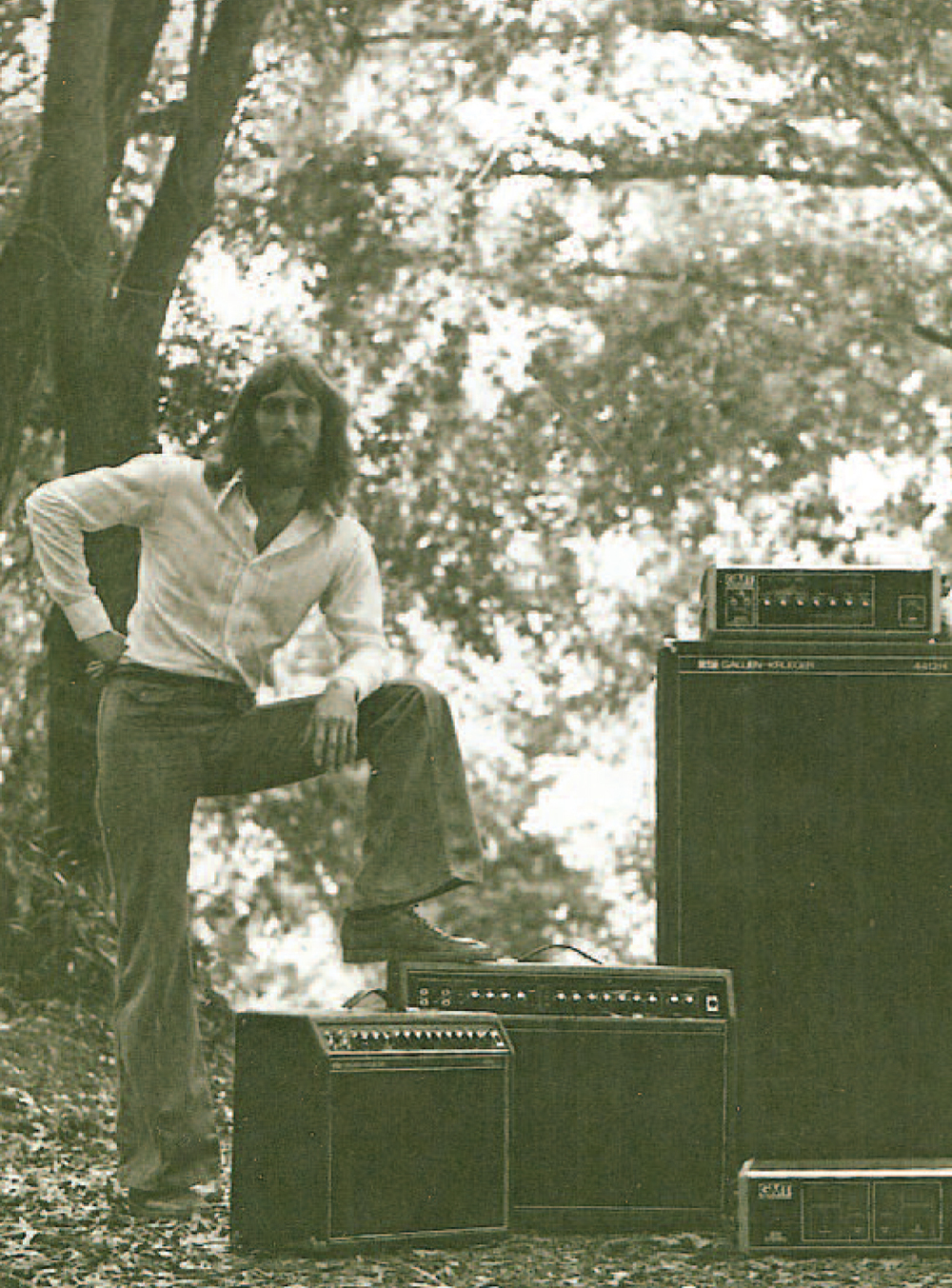 From Bob Gallien – Bass Gear Icon by Terry Buddingh. Bob Gallien in 1974, from an early magazine ad.