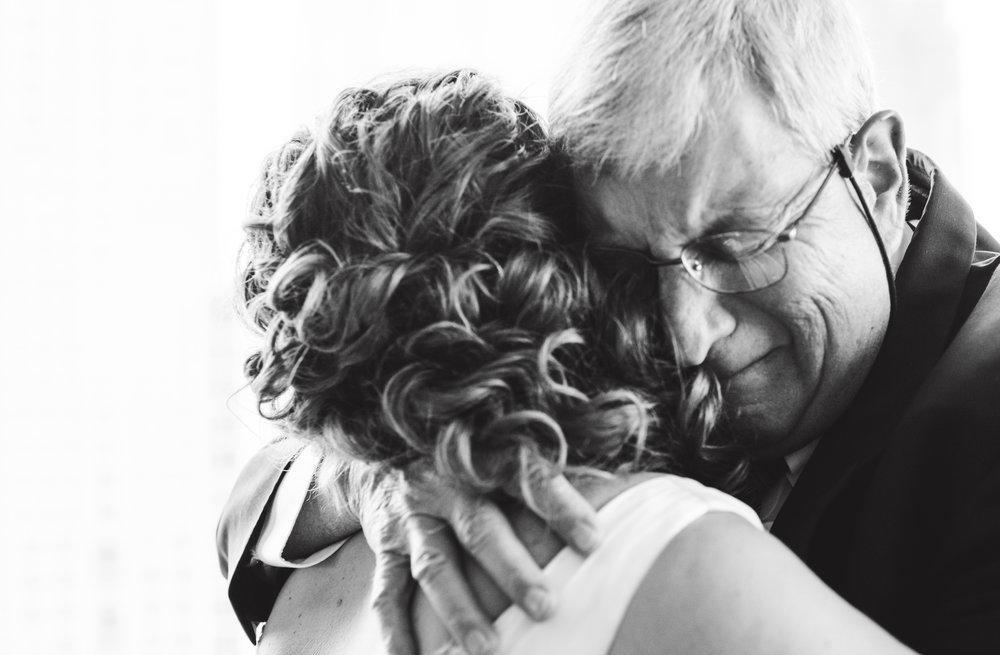 LIZA & JON - BATTERY PARK WEDDING - NYC INTIMATE WEDDING PHOTOGRAPHER - CHI-CHI AGBIM-105.jpg