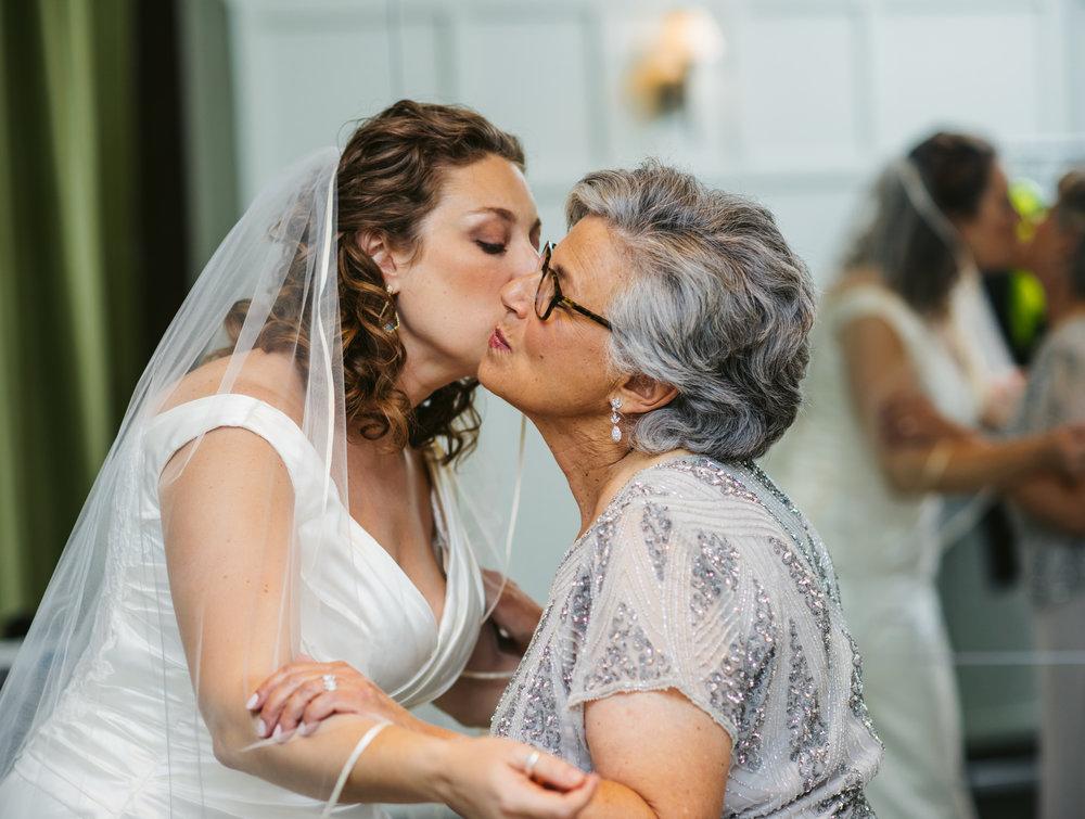 LIZA & JON - BATTERY PARK WEDDING - NYC INTIMATE WEDDING PHOTOGRAPHER - CHI-CHI AGBIM-344.jpg