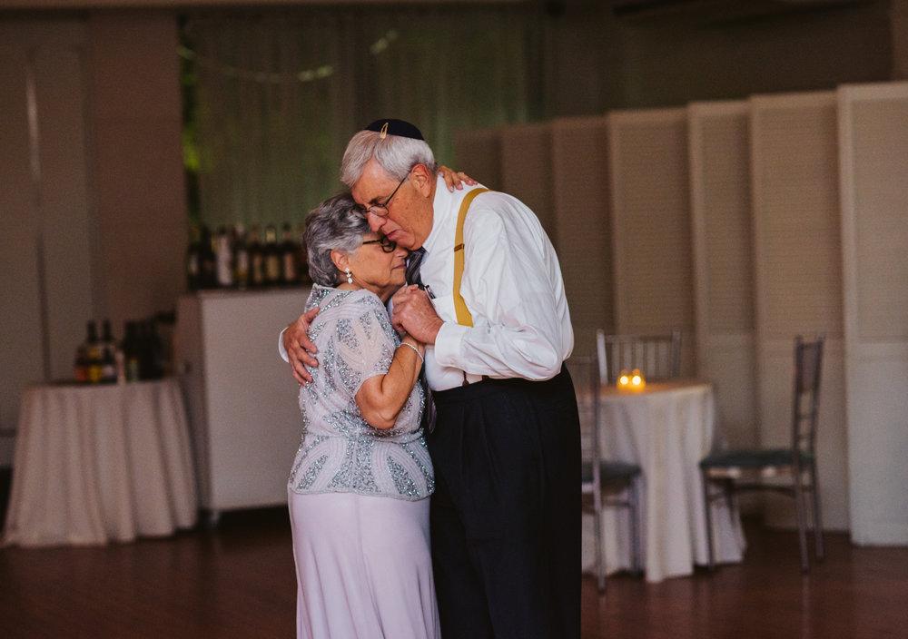 LIZA & JON - BATTERY PARK WEDDING - NYC INTIMATE WEDDING PHOTOGRAPHER - CHI-CHI AGBIM-779.jpg