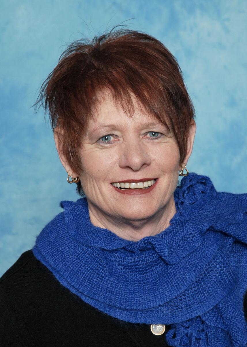 Maggie van Santen Business Manager
