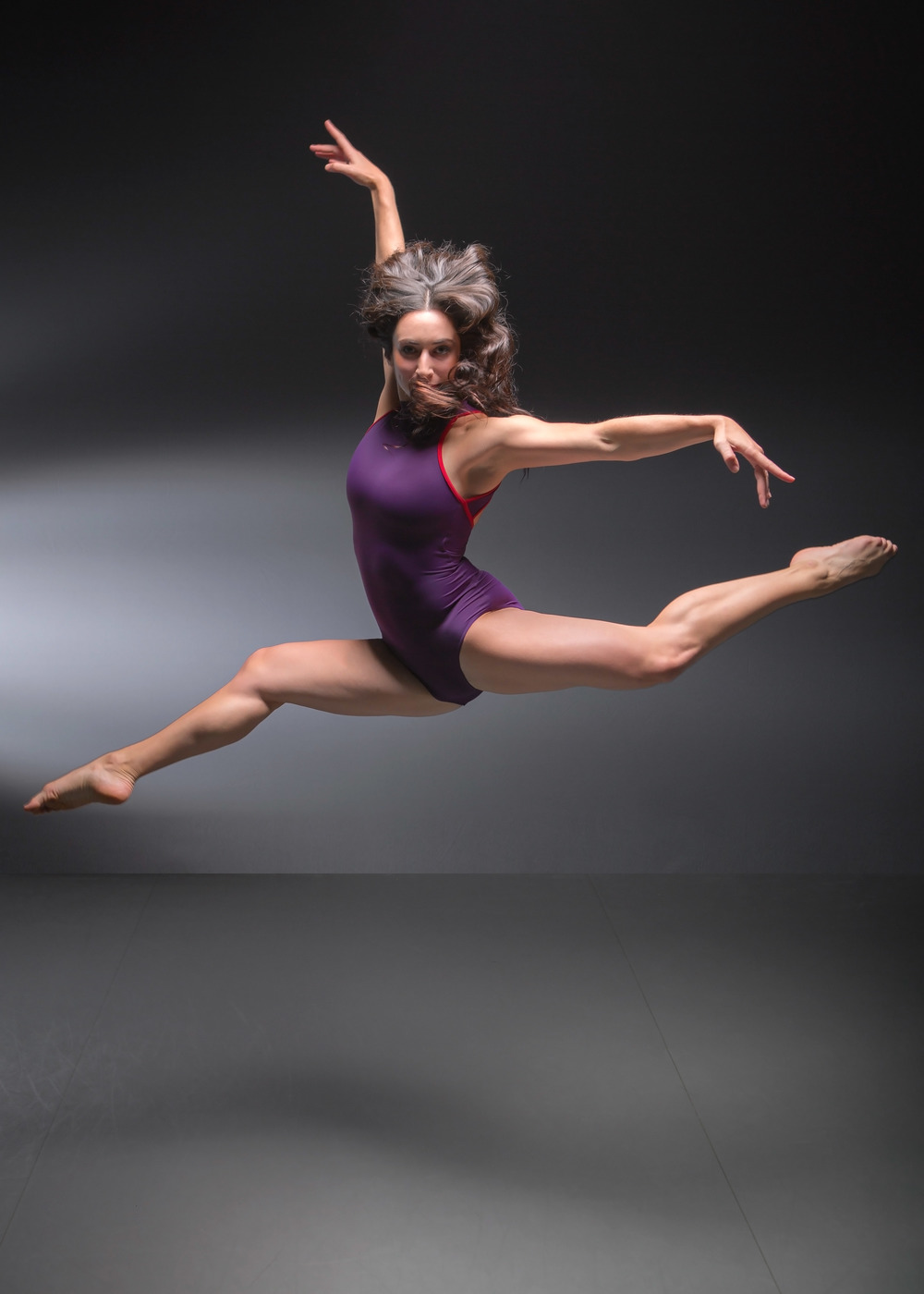 DANIELLE SNYDER grew up near Los Angeles, CA and graduated from the University of Arizona with a BFA in Dance along with a Minor in Communication. Additional training consists of intensives with Cedar Lake Contemporary Ballet, Hubbard Street Dance Company, Gus Giordano Scholarship Program, Complexions Contemporary Ballet, and Stagedoor Manor. Danielle was the 2014 recipient of the Gertrude Shurr Award for Passionate Artistry for the numerous works she performed on the University of Arizona stage, and she has also performed at the Carnival Choreographer's Ball in Hollywood, the McCallum Theater's Choreography Festival in Palm Springs, the American College Dance Festival, as well as at the Capezio ACE Awards in NYC. These performances include pieces choreographed by Larry Keigwin, Anne Reinking, Gary Chryst, Sherry Zunker, Sam Watson, Doug Nielsen, Alex Little, Spencer Gavin Herring, and Andrea D. Shelley. As a company member with METdance Company, her repertoire has expanded with works by Lauren Edson, Kate Skarpetowska, Joe Celej, john r. stronks,Kiki Lucas, Marlana Doyle, Sydney Skybetter, and Jessica Hendricks. This is her 2nd season with METdance.