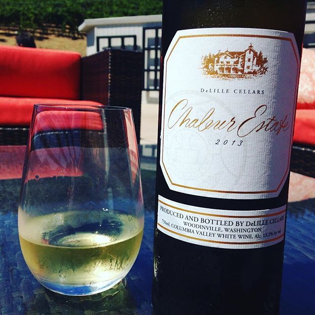 Perfect afternoon for some lovely @delillecellars Chaleur Estate Blanc! #washingtonwine #wine #washington #delille #columbiavalley #wino #winetime #instawine #winestagram #winelover #bordeauxblend