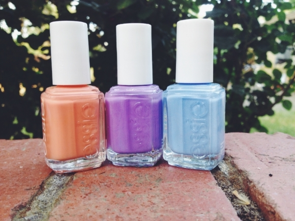 I've also been enjoying these spring-y colors: essie's tarte deco, play date and bikini so teeny.