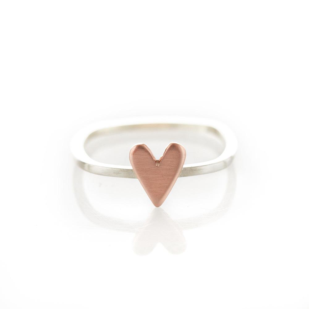beautifully simply rings from dear rae