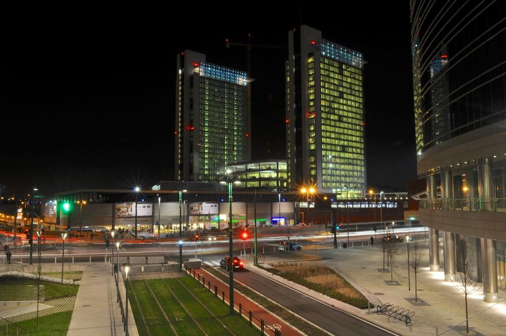 Cesar Pelli Skyscraper Complex 019.jpg