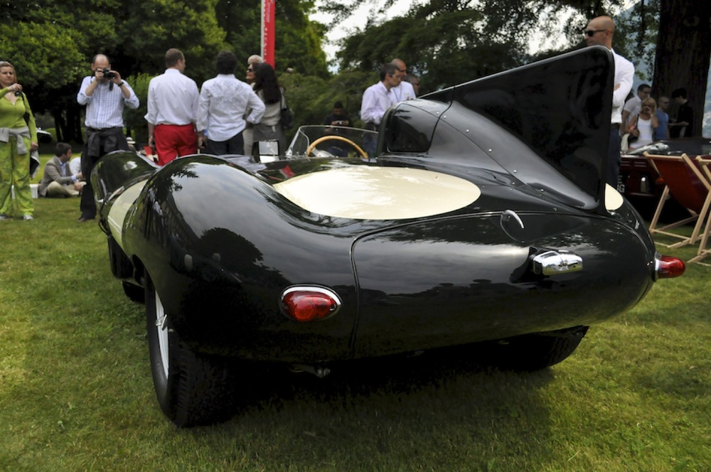 Jaguar D-Type 2.jpg